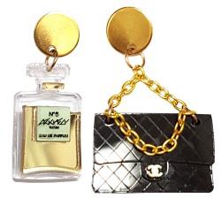 Orecchini pendenti Chanel con tracolla