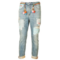 Jeans stone washed con toppe